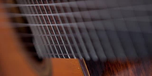 guitar-pic-640